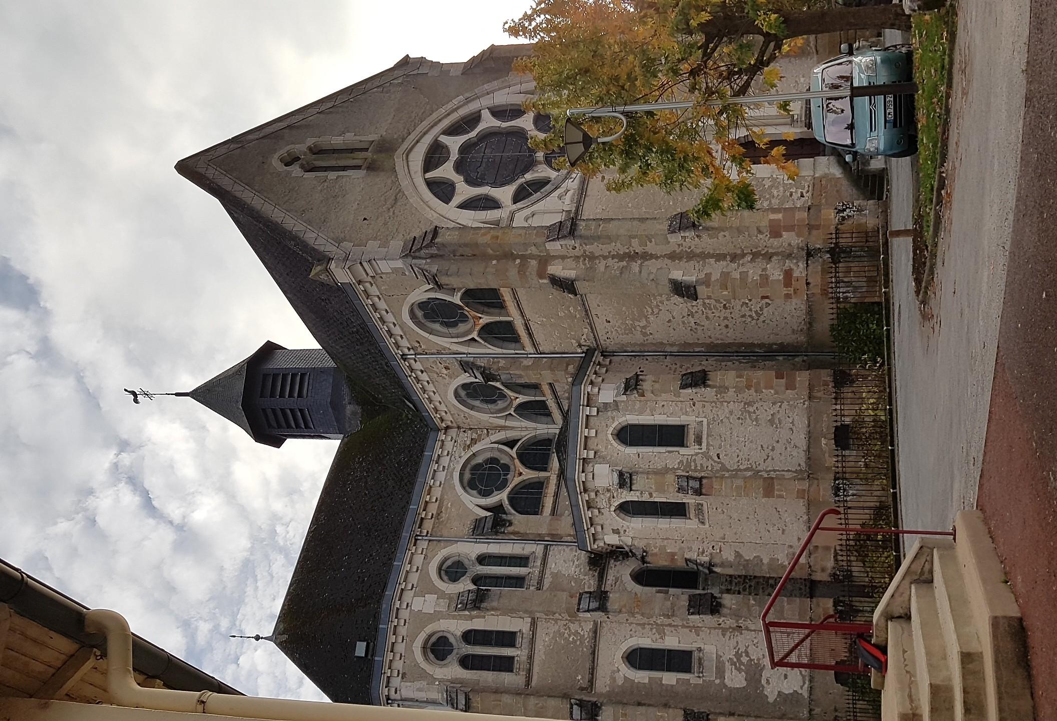 Eglise du Sacré Coeur côté mairie Ⓒ Delphine Antenne Lurcy