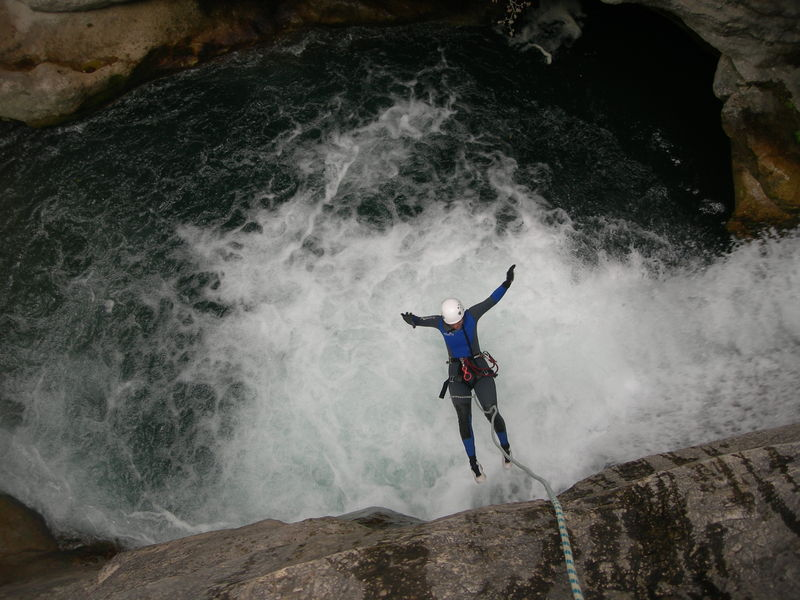 canyon aiglun grand saut 11m