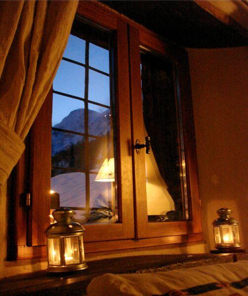 Gite 7 degrés Est vue fenêtre hiver