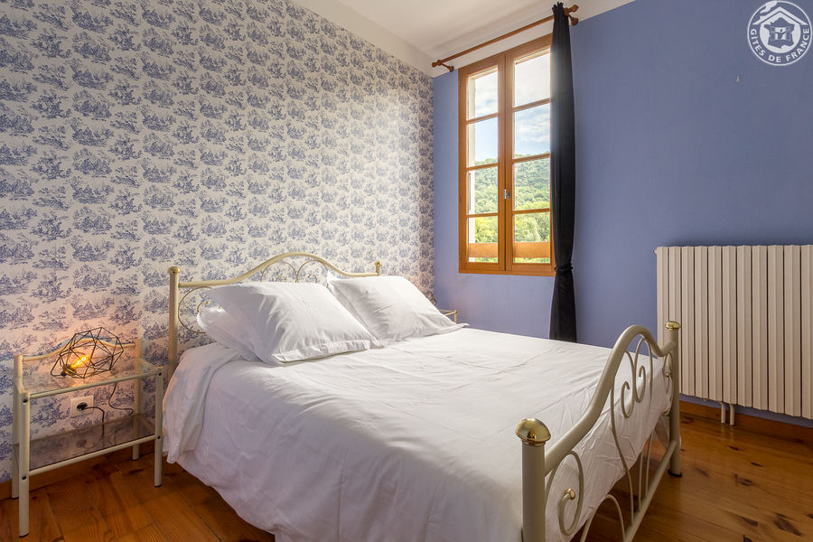location-2epis-aixlesbainsrivieradesalpes-j&g-chambre