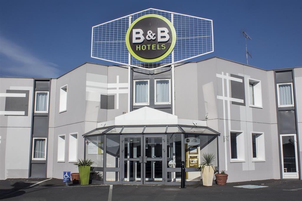 Hôtel B&B Façade Ⓒ Hôtel B&B