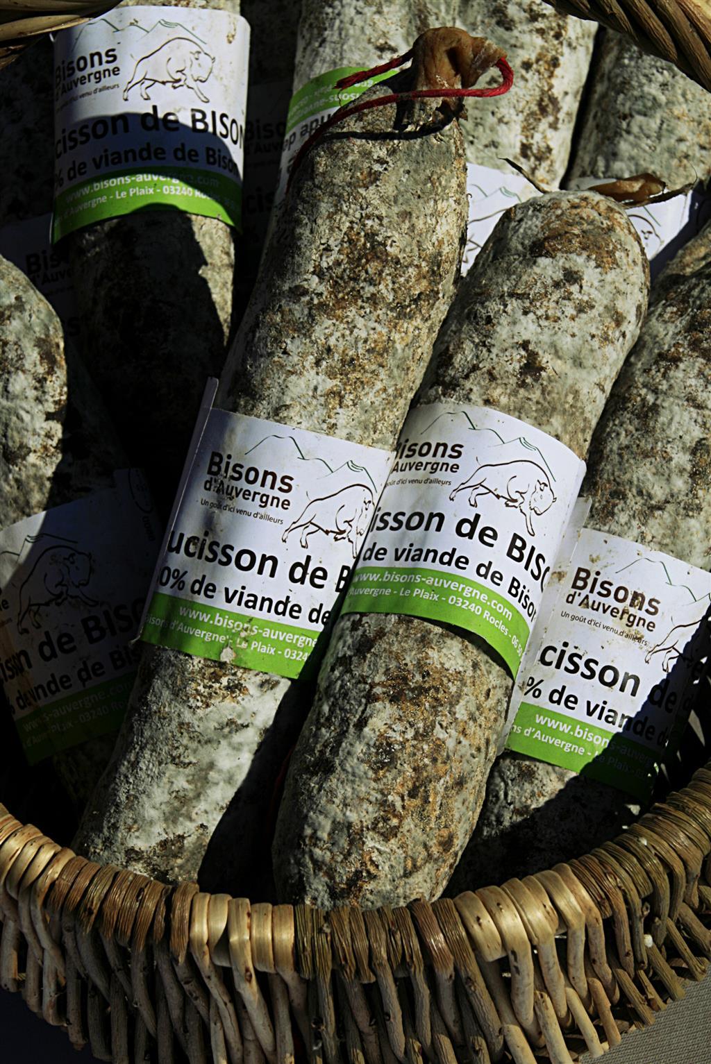 Bisons d'Auvergne Saucisson de bison Ⓒ Christel et Matthieu Peron