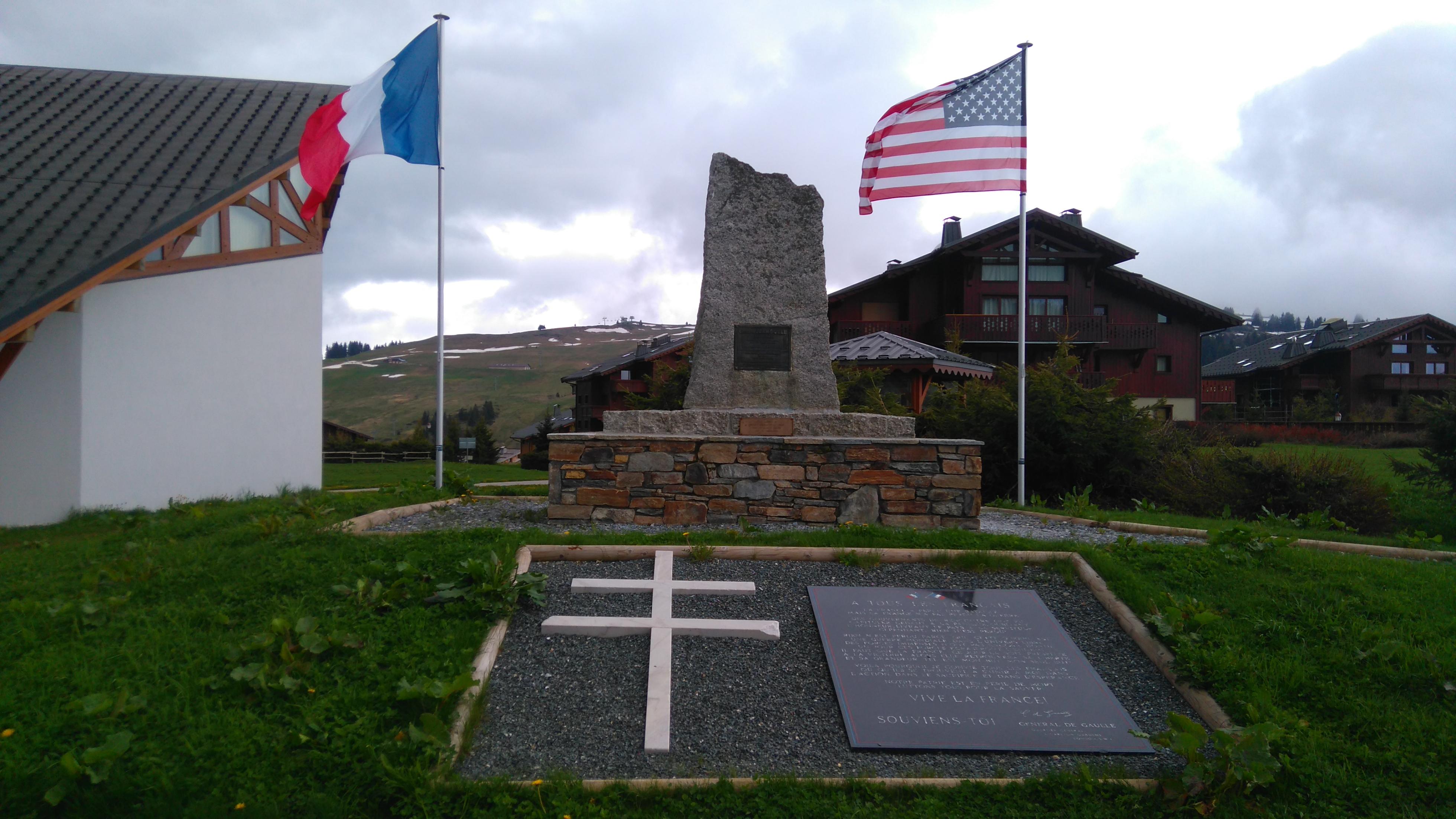 Monument commémorant le parachutage de 1944