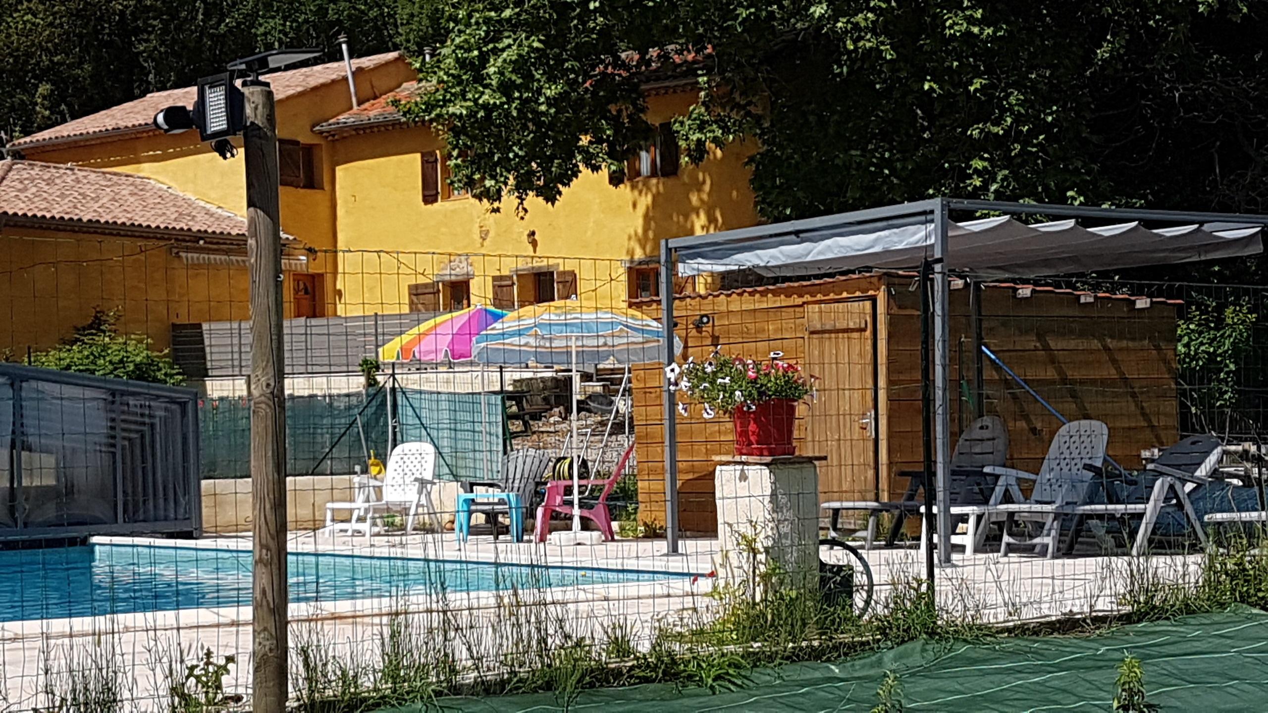Gîtes du Jasson - Les Acacias - Borsi Florence