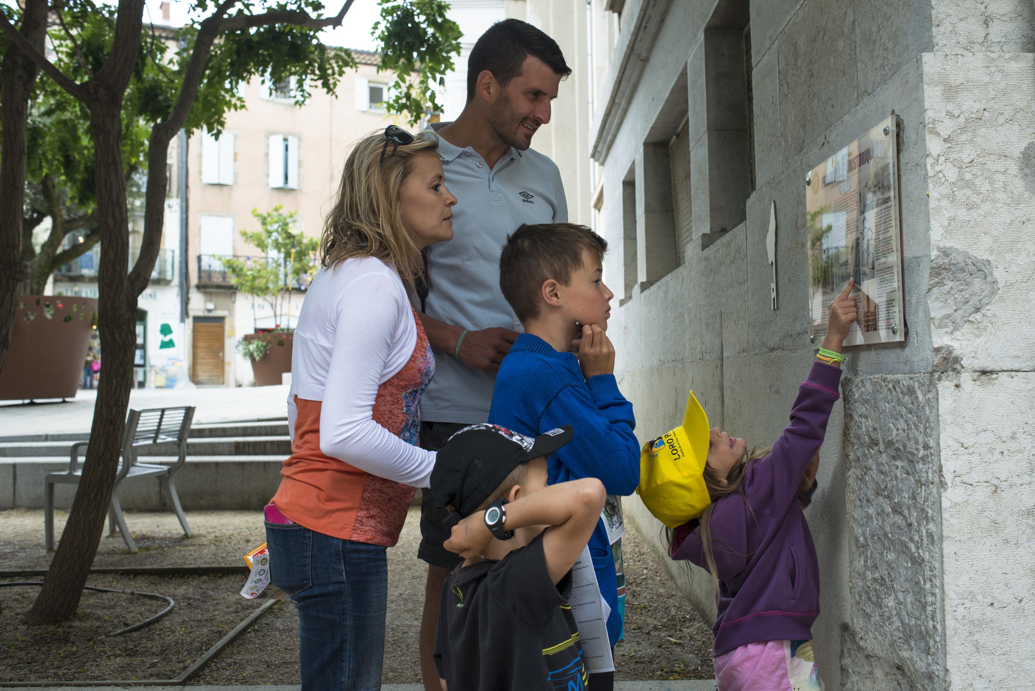 Sentiers thématiques : Balade en famille : Jeu de piste dans le centre historique de Privas
