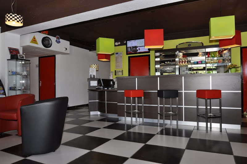 Hôtel Kyriad Design Enzo Réception Ⓒ Hôtel Kyriad Design Enzo Saint-Victor - 2015