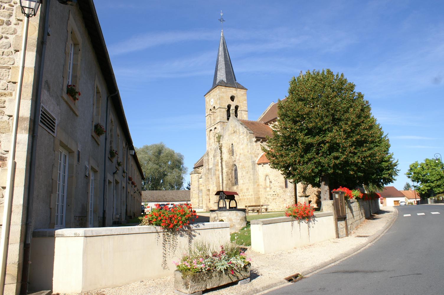 Église Saint-Loup Aménagement autour de l'église Ⓒ Mairie de St-Hilaire