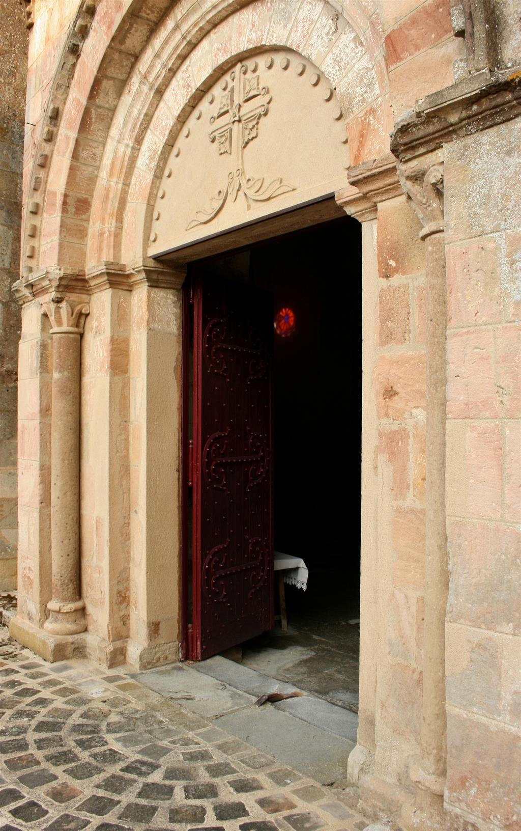 Église Saint-Étienne - Franchesse Portail entrée Ⓒ Mairie Franchesse