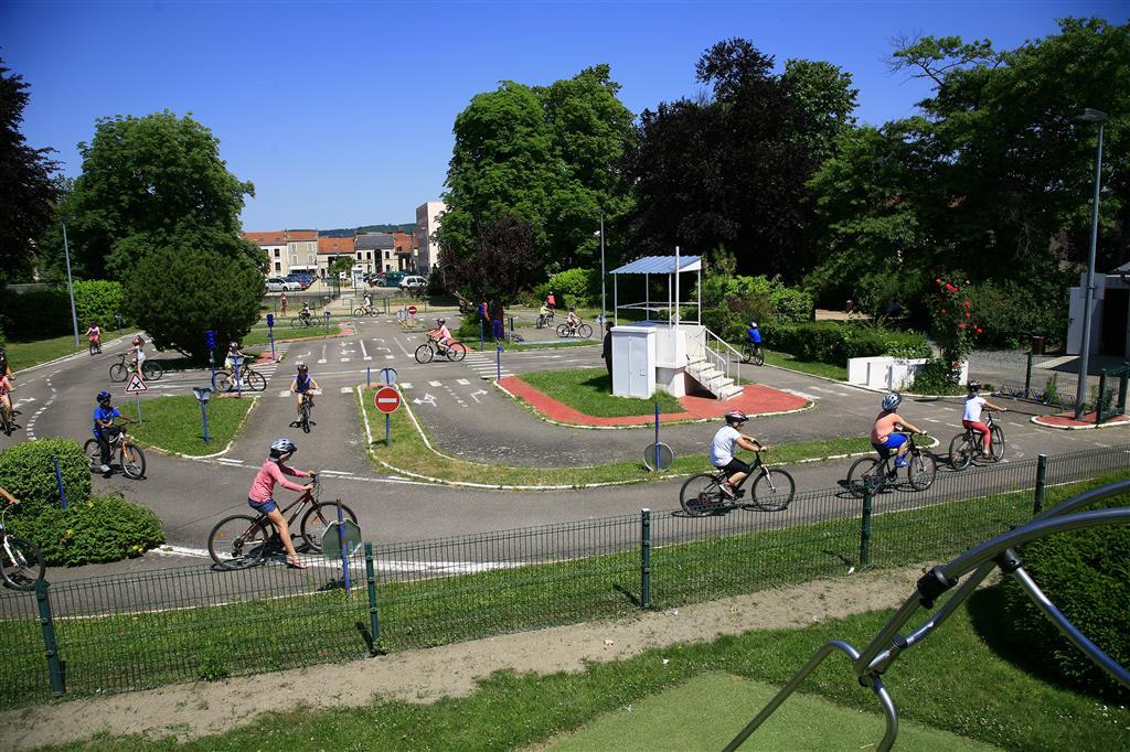 Jardin Breda - Montluçon Parc Ⓒ Service Espaces Verts Désertines