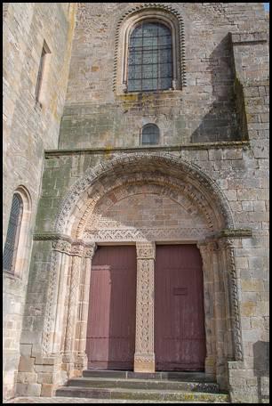 Église Saint-Gervais et Saint-Protais Porte  d'entrée Ⓒ Internet 2018