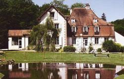 Hôtel Le Tronçais Façade Ⓒ Hôtel le Tronçais