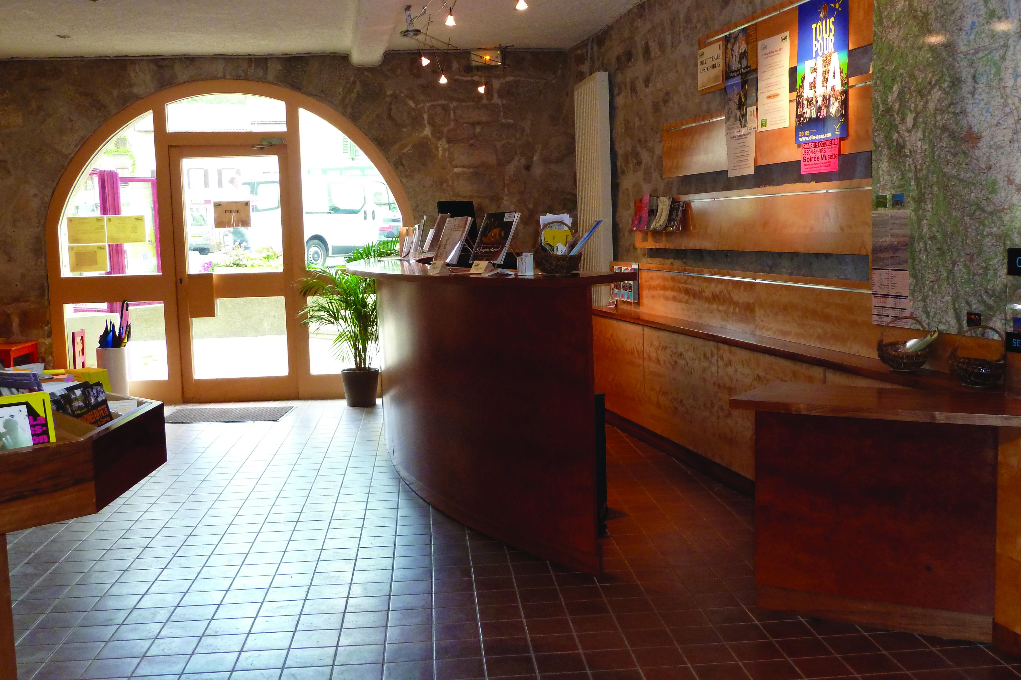 Office de tourisme loire forez bureau d 39 informations - Office de tourisme saint bonnet le chateau ...