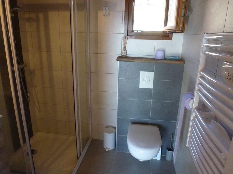 Salle d'eau Meublé Mme RAUL Chantal Chaillol.JPG - © RAUL Chantal