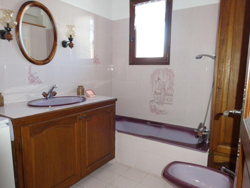 Salle de bain Meublé Mme CESMAT D Location Ancelle - © OTi RR