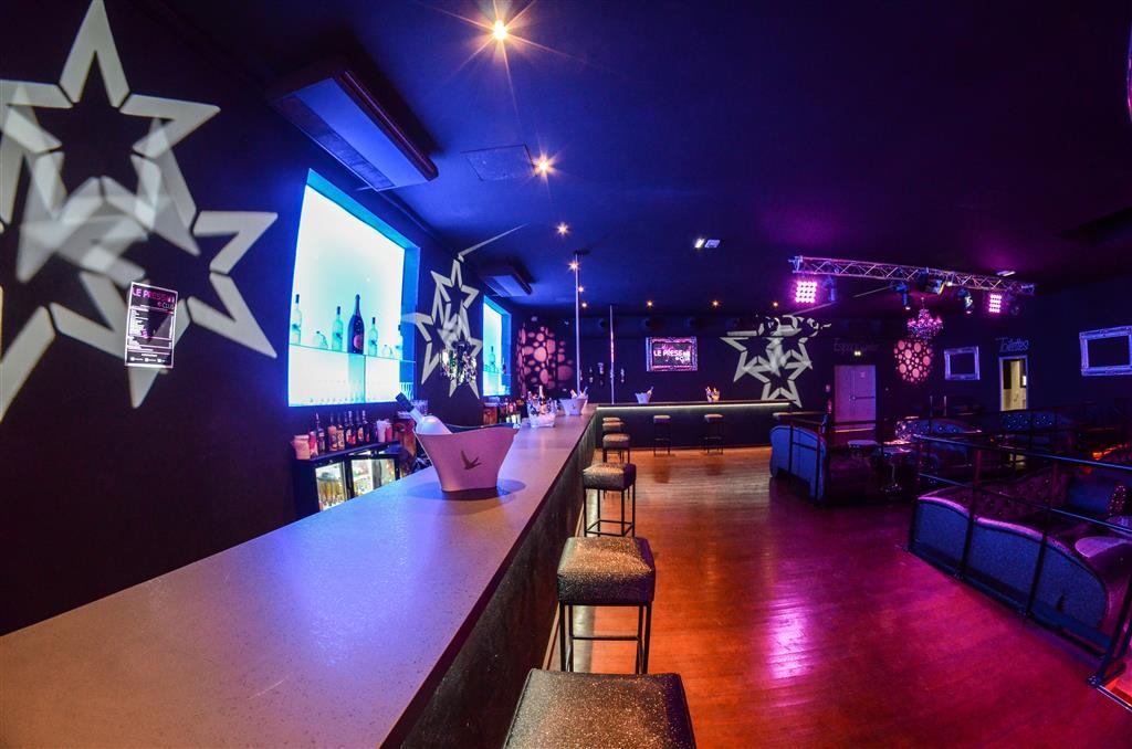 Le Bar Ⓒ www.lepressclub.com