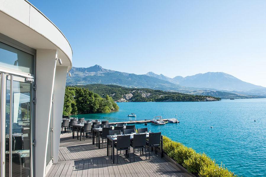 Tarrasse restaurant - © Ecrin du lac