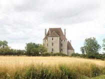 Balade au milieu des vignes et des châteaux Ⓒ OM
