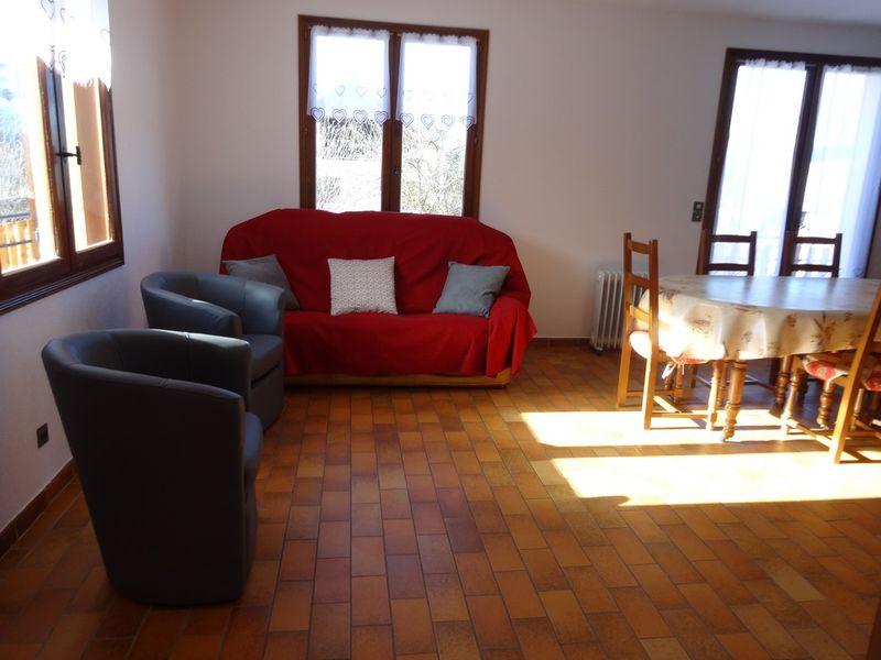 Salon Meublé Mme CESMAT D Location Ancelle - © OTi RR