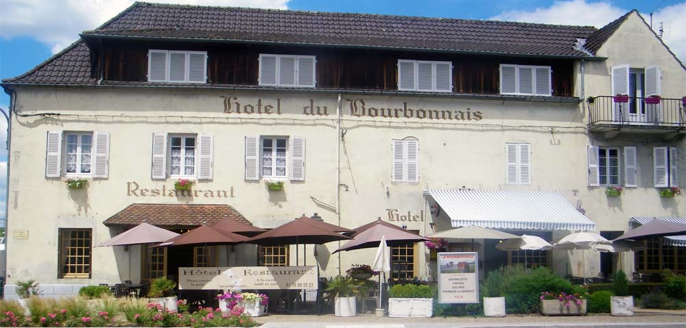 Hôtel-restaurant du Bourbonnais Bâtiment et Façade Ⓒ Site internet hôtel