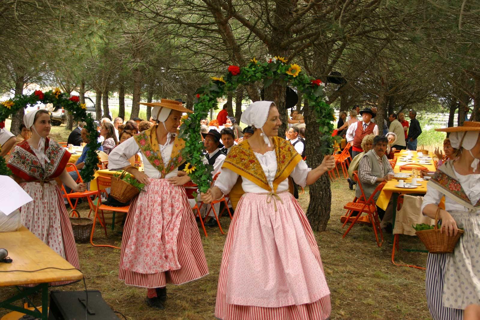 Fête de la Saint Pons -  Procession à la Chapelle - Repas sous la Pinede