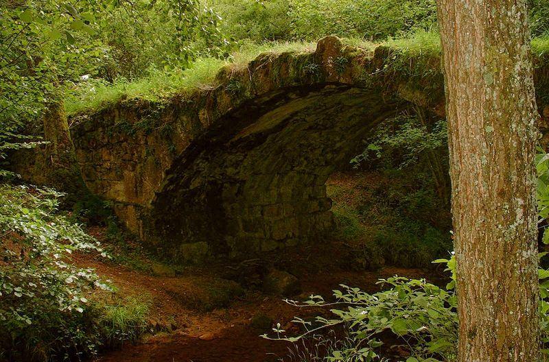 Pont romain Arche de pont Ⓒ Mairie de Droiturier