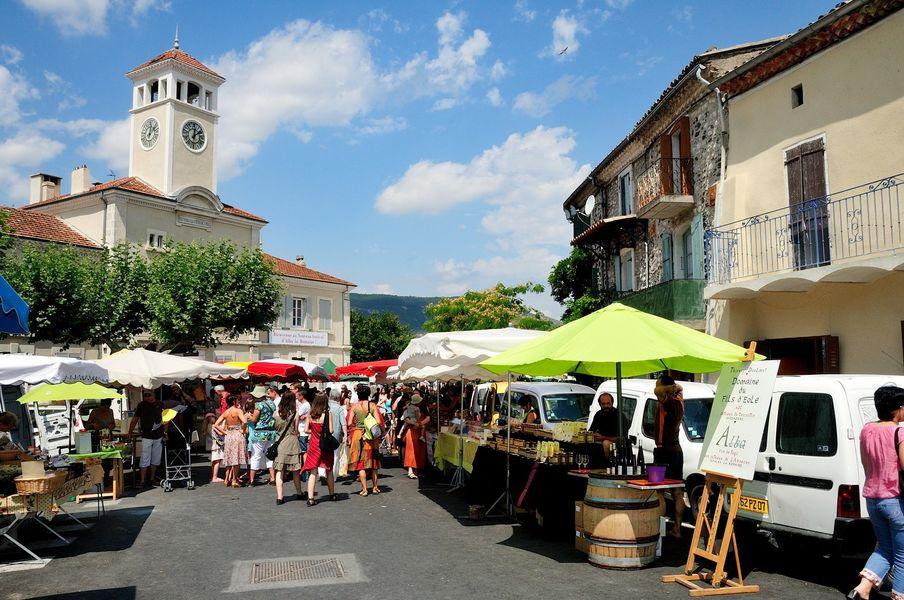 Marché hebdomadaire - Alba-la-Romaine