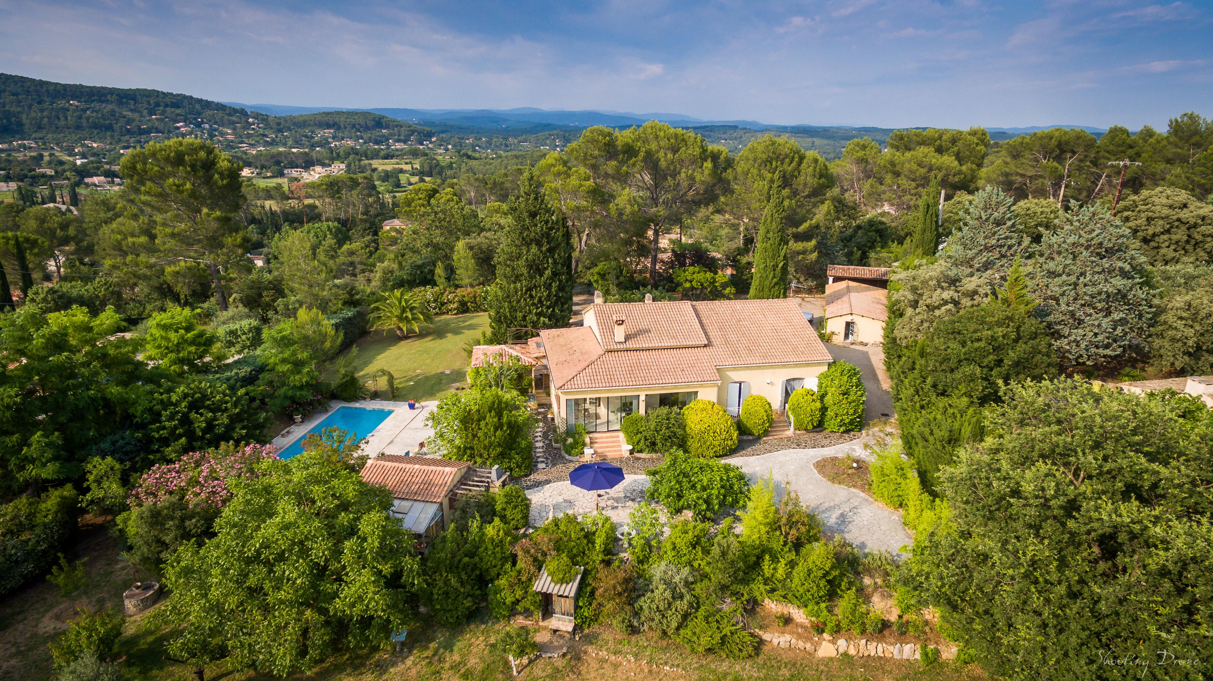 Hotes' Antic Provence - Richard Claudine