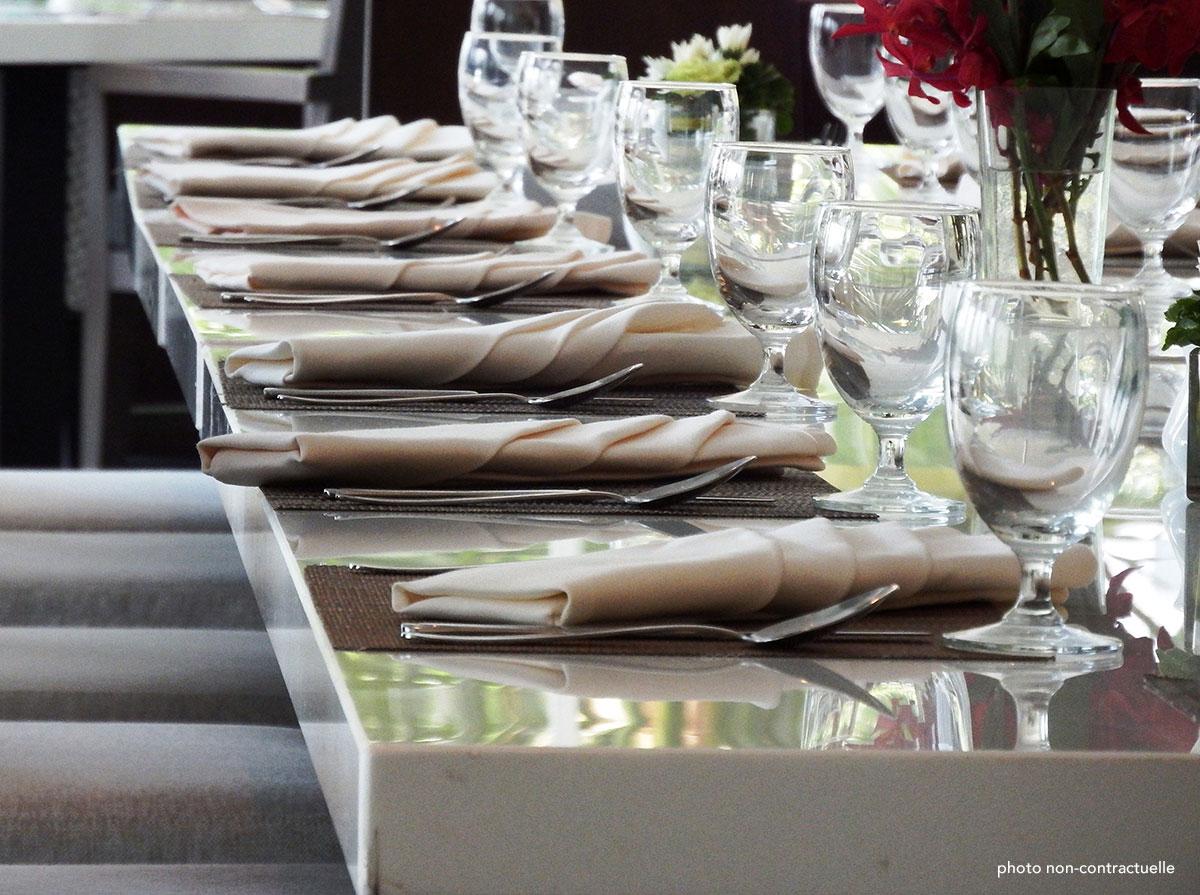 Restaurant - Photo non contractuelle - © CC0 Public Domain