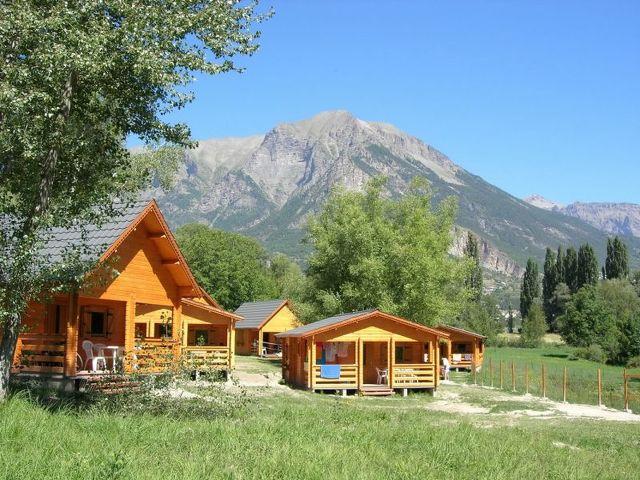 Camping Les Cariamas - Châteauroux-les-Alpes
