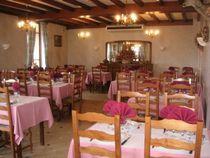 restaurant-montbeugny-auberge_panier_fleuri2