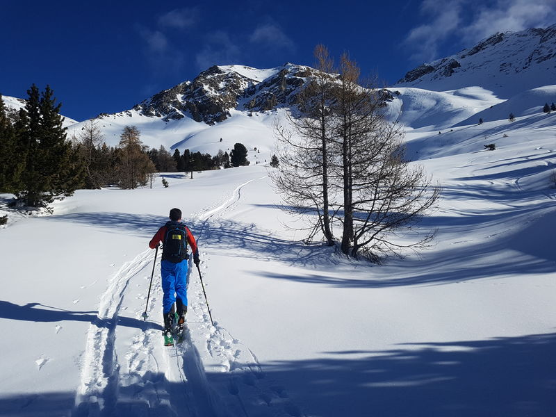 Ski de rando à Cervières - © Teddy GUIEU  - AZIMUT
