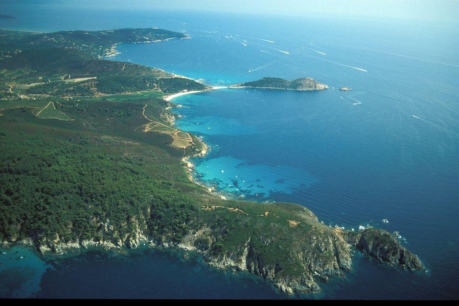 Vedettes Îles d'Or et le Corsaire