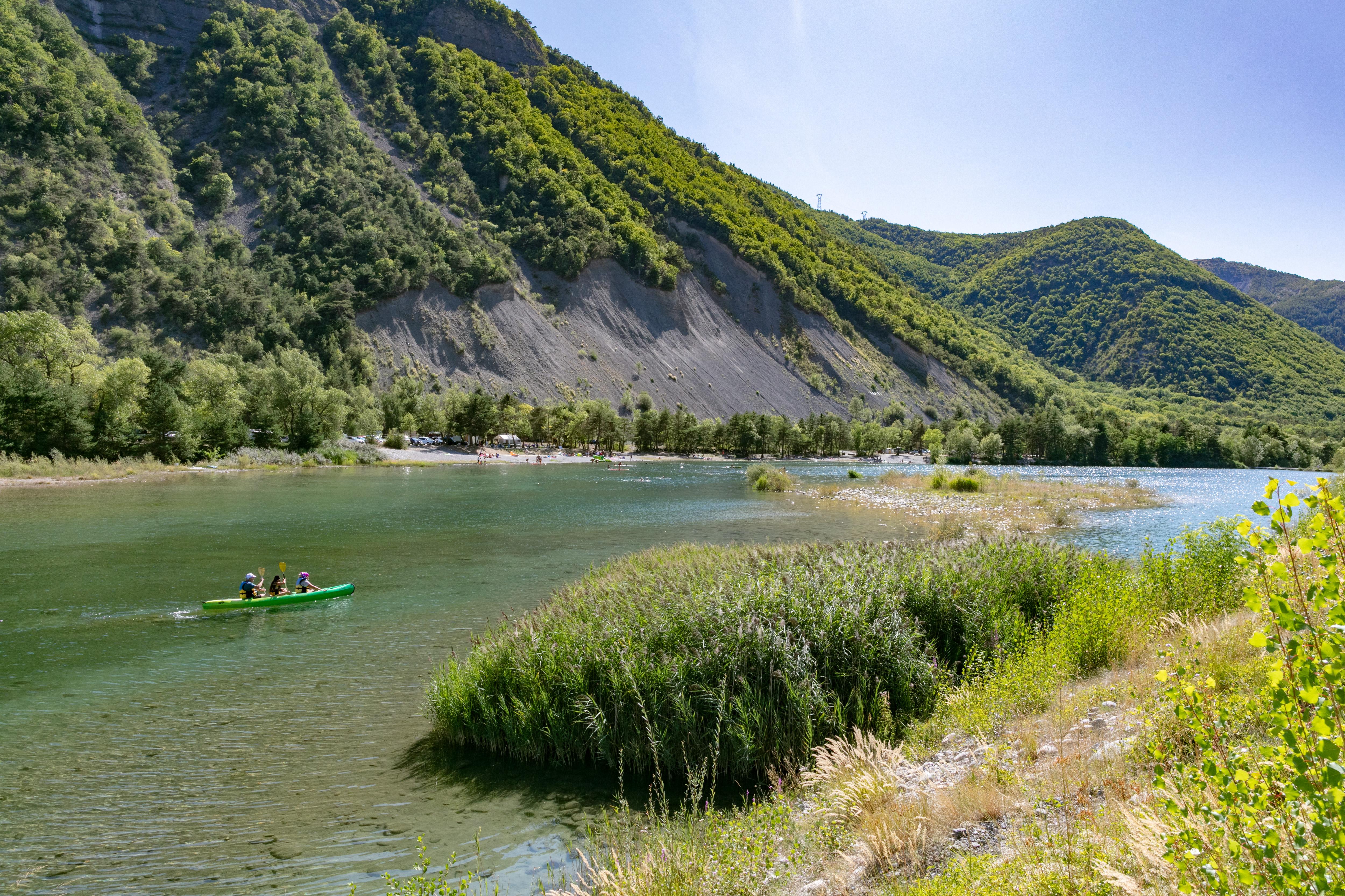 Canoë a départ de la Base de loisirs Les 3 Lacs à Rochebrune & Piégut