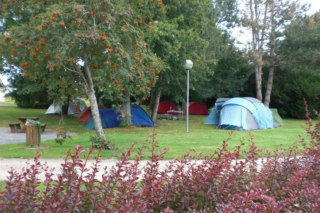 Camping la Font Saint-Julen Emplacements tentes Ⓒ Camping La Font Saint-Julien - 2014