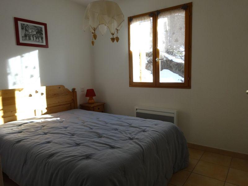 Chambre Location Meublé Le Chastelas Chaillol - © OTi