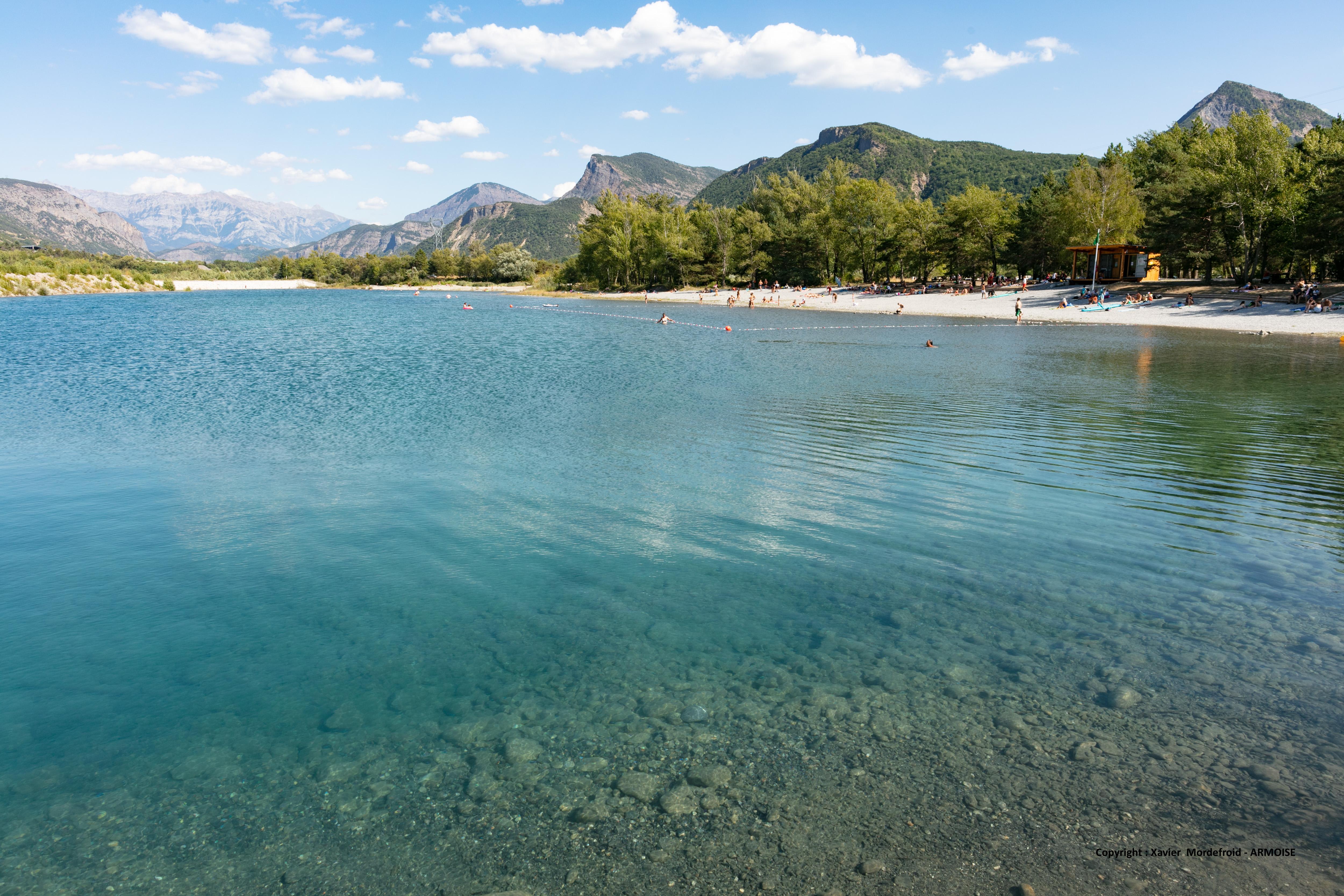 Plage surveillée - Base de loisirs Les 3 Lacs à Rochebrune & Piégut