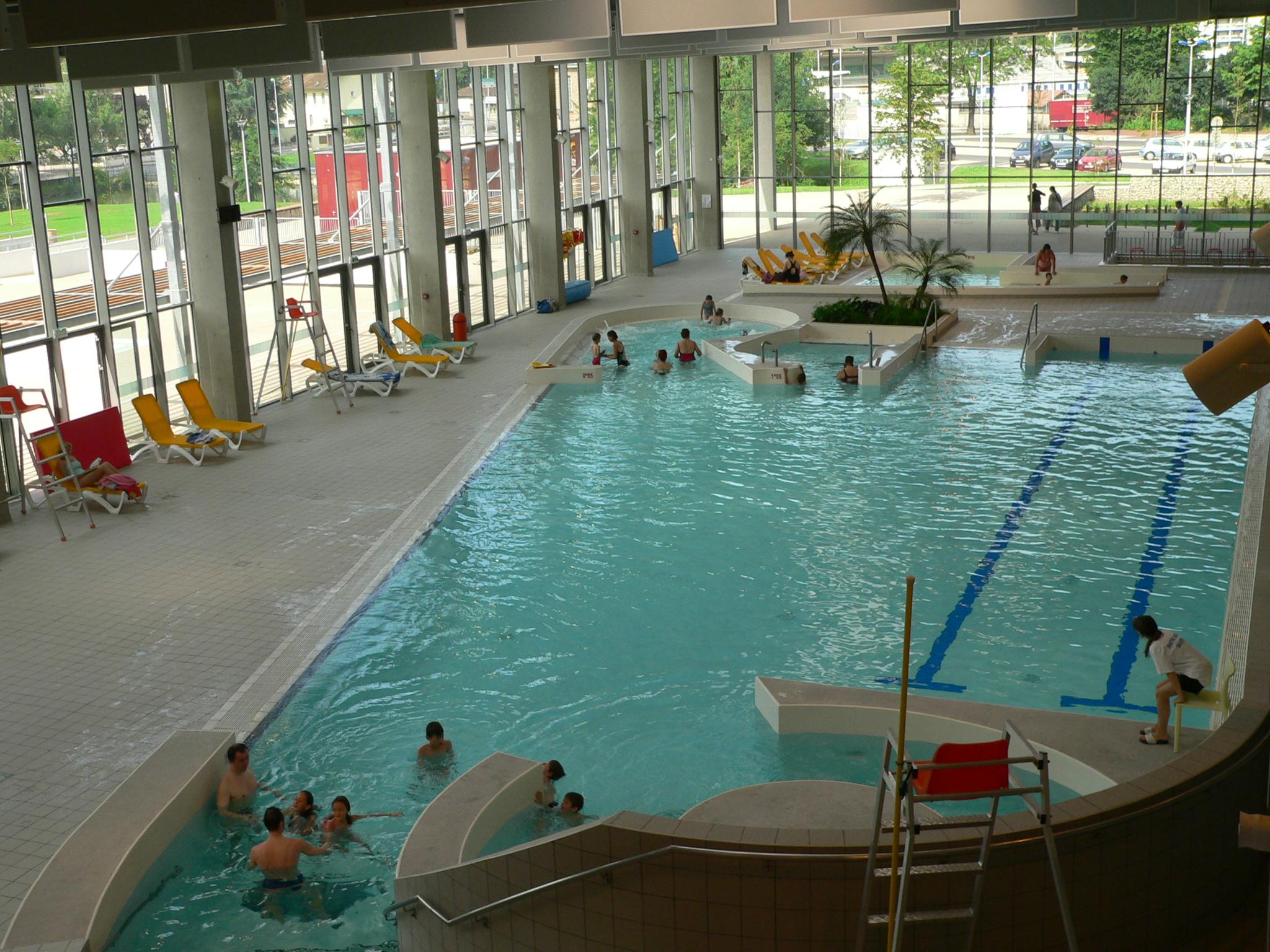 Centre nautique carr d 39 eau for Bourg argental piscine