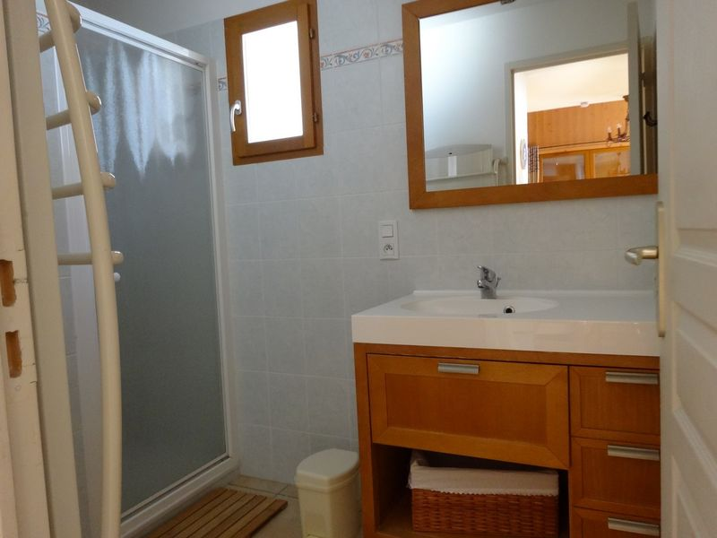 Salle d'eau Location Meublé Le Chastelas Chaillol - © OTi