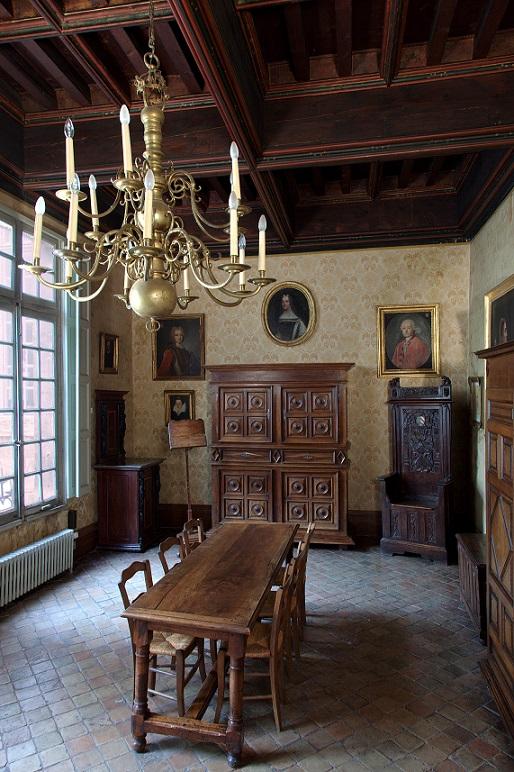 Chambre au plafond