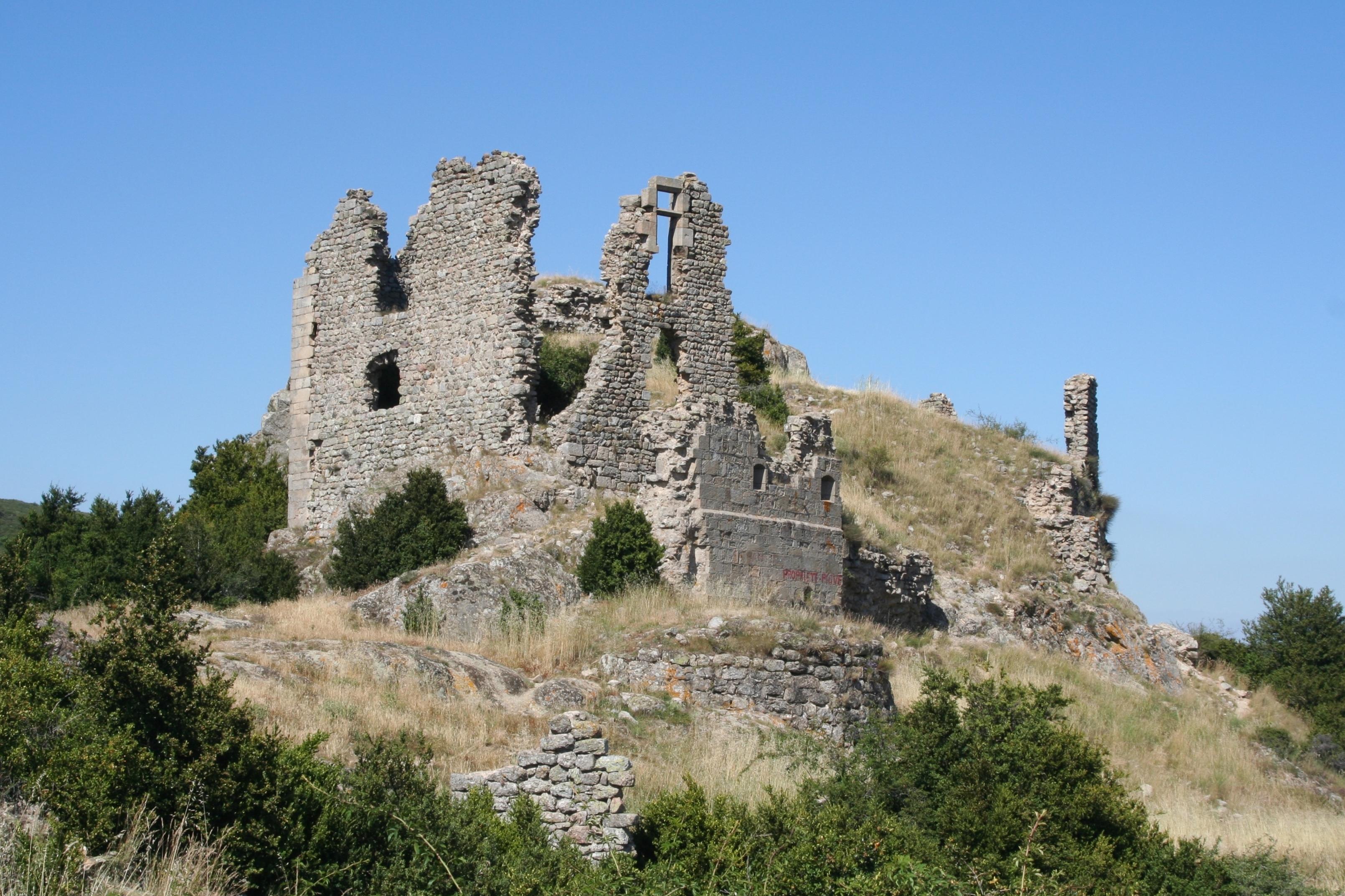 A dénicher : Château de Pierre-Gourde (vestiges)