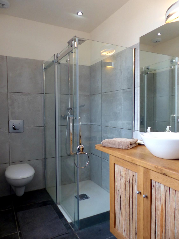 SdB suite Salle de douche avec WC suite