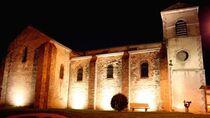 Église Saint-Nicolas/Sainte-Croix Vue d'ensemble de nuit Ⓒ Mairie de Droiturier - 2014