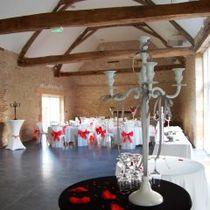 La Grange de l'Ecuyer Salle configuration mariage Ⓒ Site internet la grange de l'écuyer