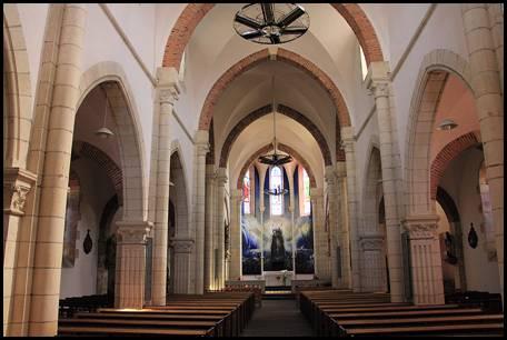 Église Saint-Privat Intérieur Ⓒ Internet