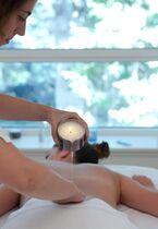 Vichy Célestins Spa Hôtel Massage à la bougie Ⓒ Vichy Spa Les Céléstins - Emanuela Cino