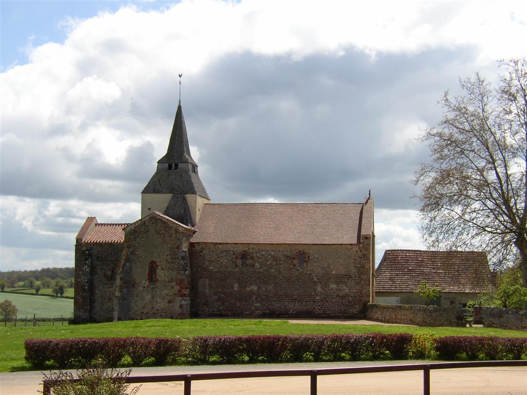 Eglise Saint-Denis Vue d'ensemble Ⓒ Mairie de Chazemais