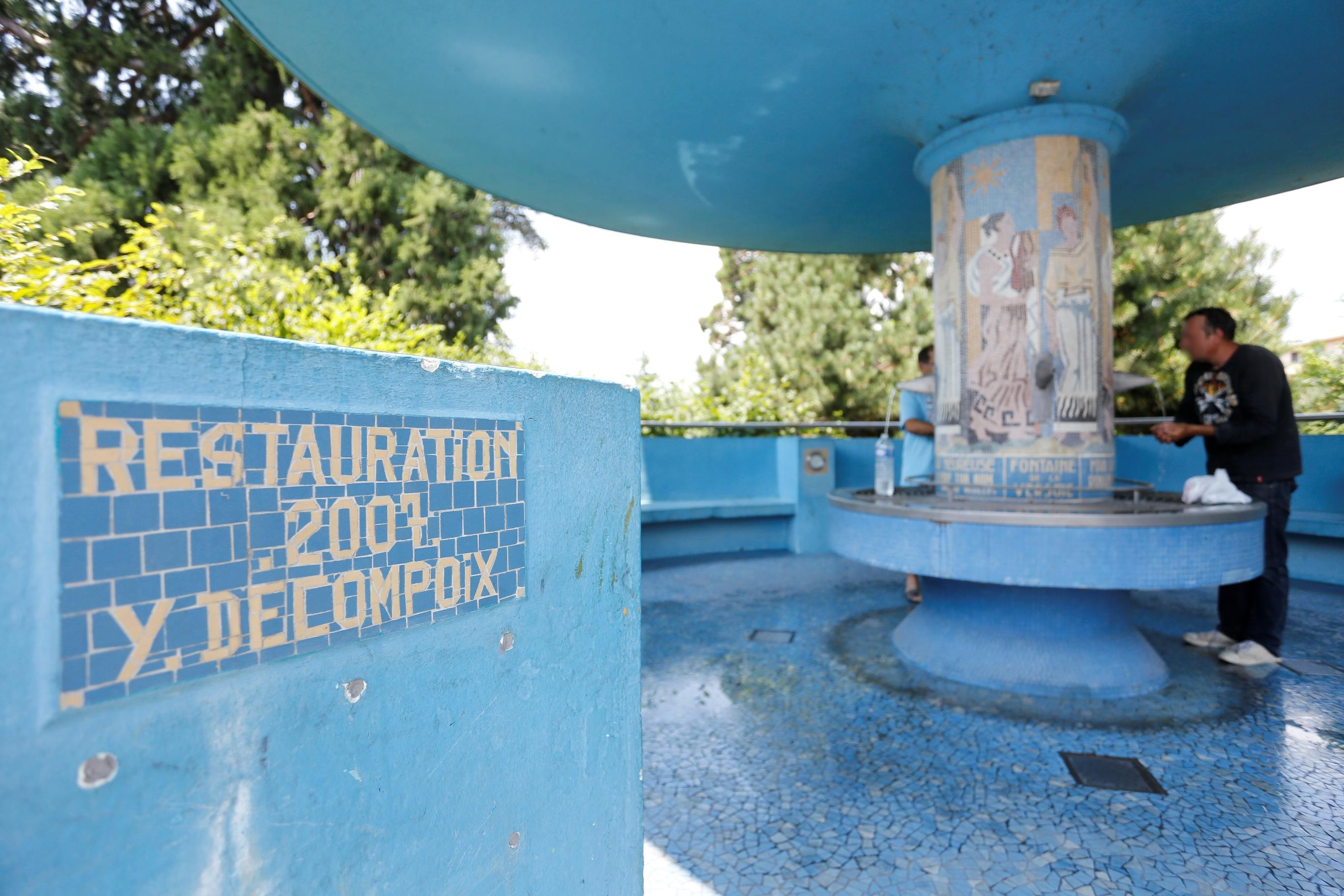 source de la versoie eau minrale naturelle de thonon thonon les bains