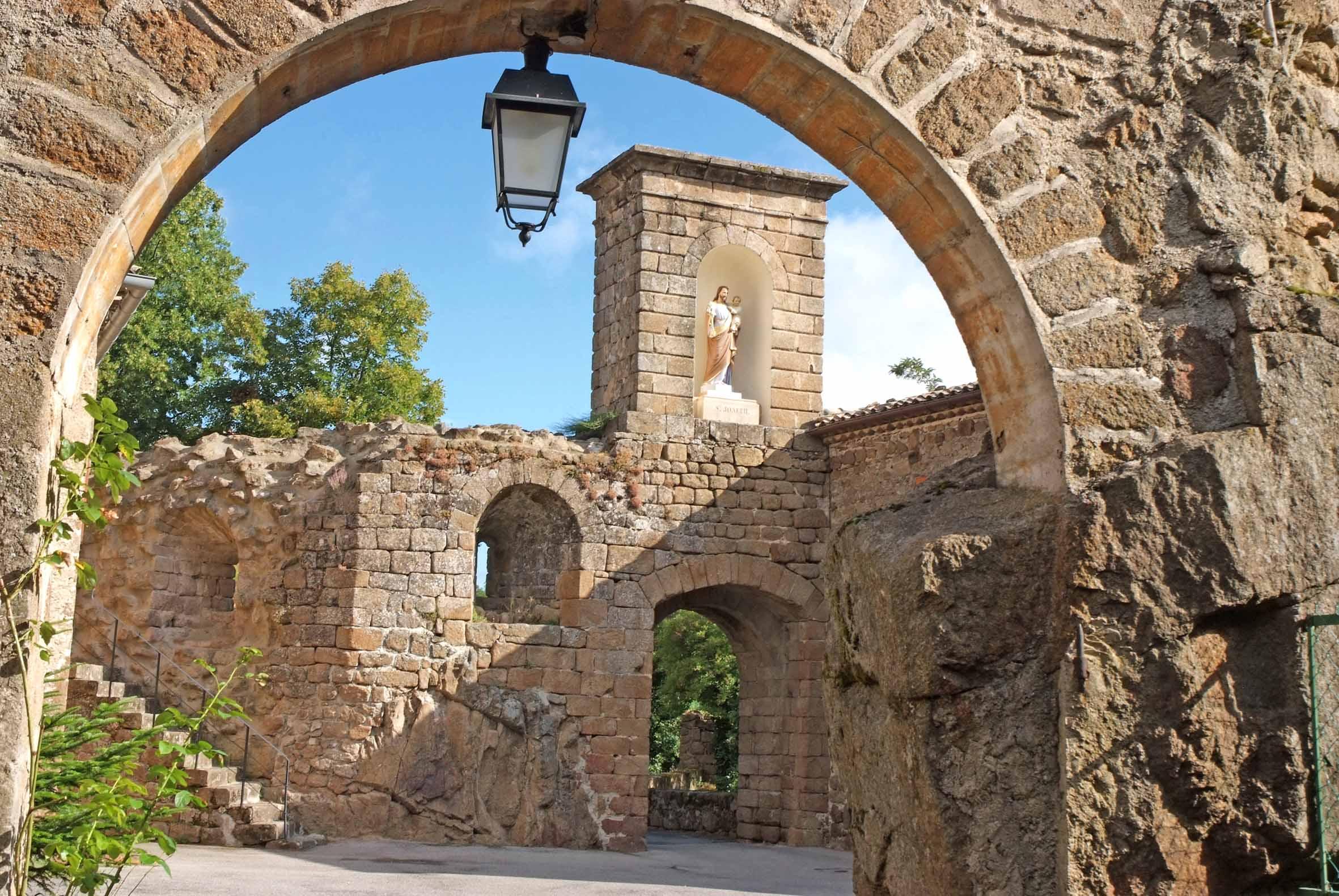 Le château dAy (Saint-Romain-dAy,Ardèche), Historic site