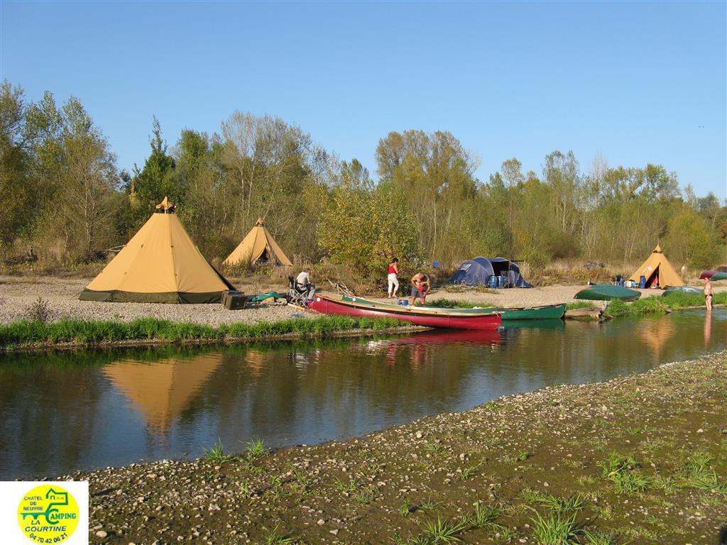 Camping traditionel La Courtine Ⓒ Norbert Niem, Camping La Courtine