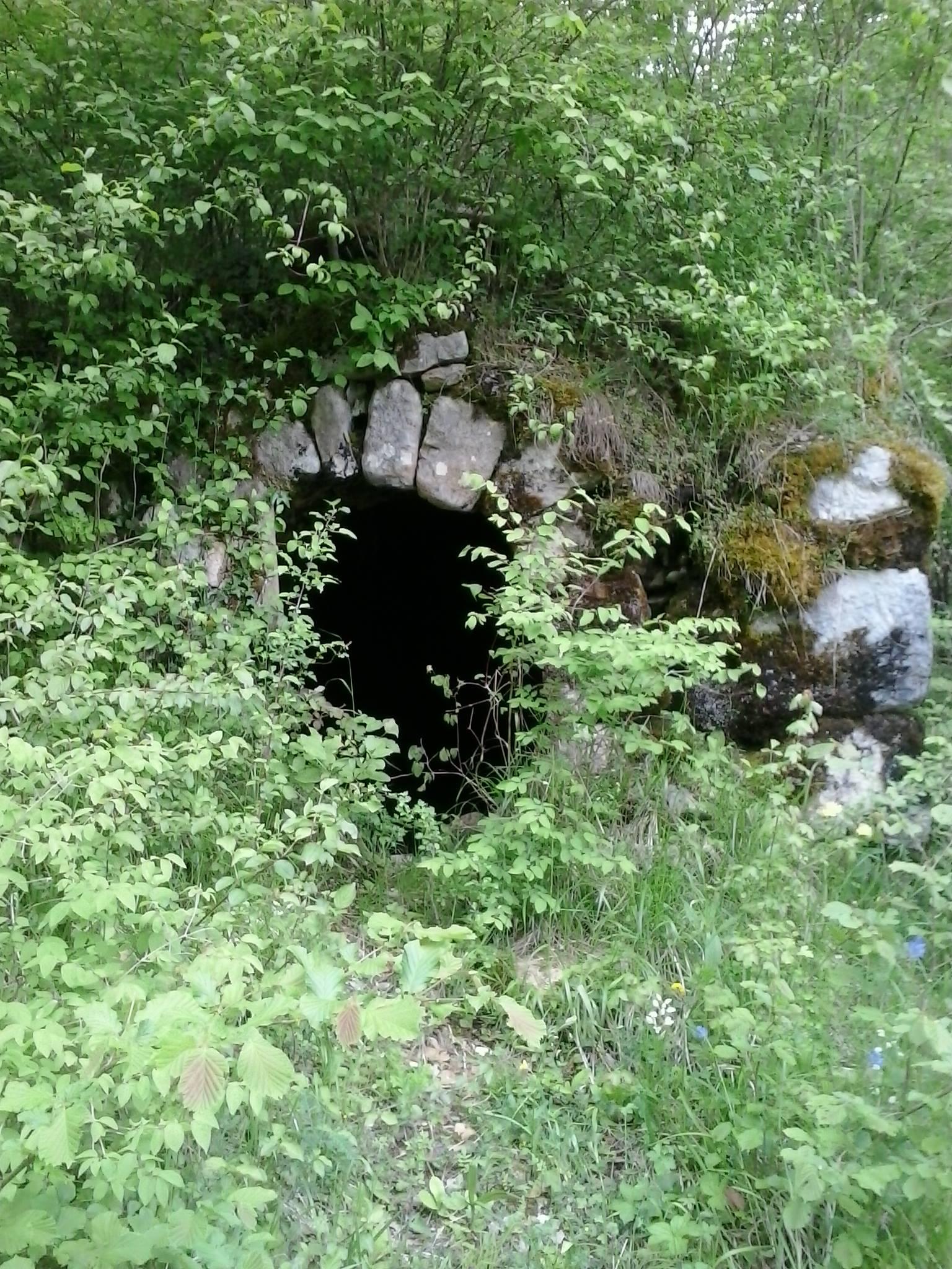 Chemin des moulins à Château-Bernard